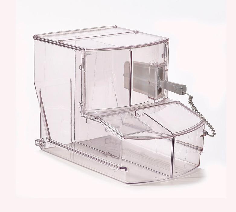 bac distributeur transparent avec la pelle