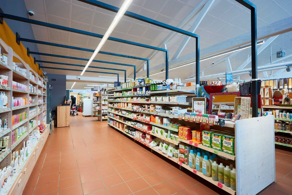 Le rayonnages adaptable à tous les univers du magasin
