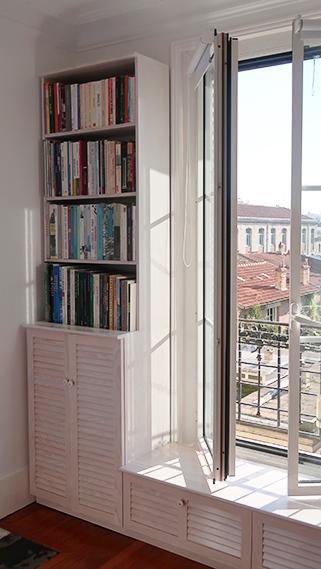 Placards blanchis feng shui faits sur mesure en pin maritime pour chambre